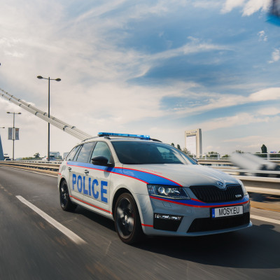 Mosy Intelligent police car 8