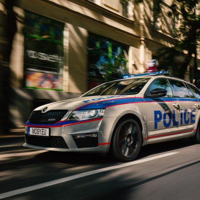 Mosy Intelligent police car4