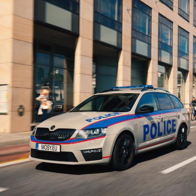 Mosy Intelligent police car
